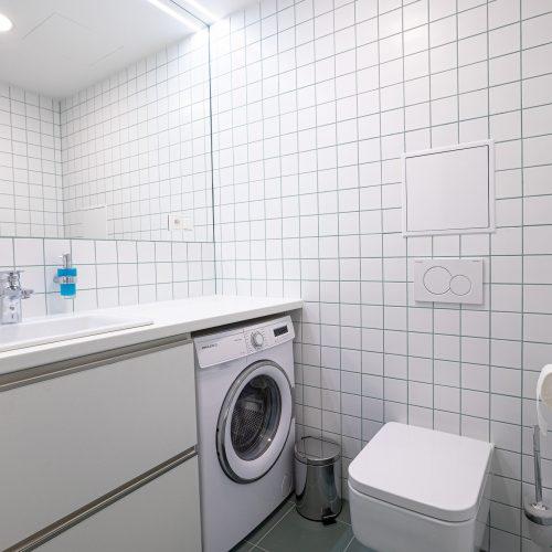 Koupelna se sprchovým koutem s WC